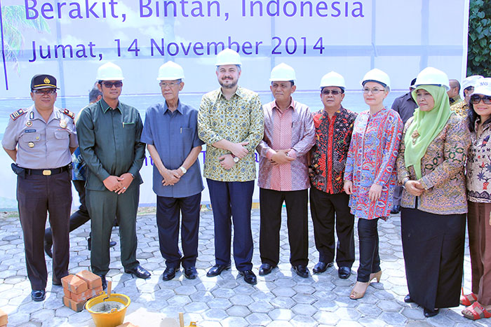 Mr Muhammad Sani, Govenor Of Riau Islands Province And Mr.Ansar Ahmad Bupati (Mayor) Of Bintan