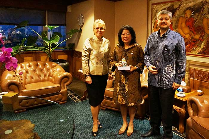 Ms Irina Gorbulina And Mr Oleg Gorbulin With Mrs Mari Elka Pangestu Minister Of Tourism And Creative Economy Of Indonesia (2011-2014), Minister Of Trade Of Indonesia (2004-2011)