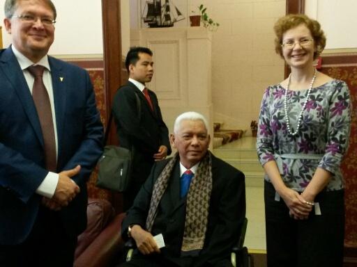 Ms. Ivanova With Dr Awang Faroek Ishak Governor Of E.Kalimantan 2015